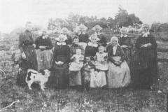 14_Kraamvisite_in_1908_bij_familie_bijlstra_(Large)