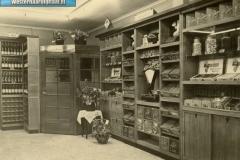 3-Opening_van_de_winkel_in_1920_(oprichters_zijn_Johanus_en_Grietje_Klinkhamer_[1024x768]