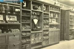 5-Opening_van_de_winkel_in_1920_(oprichters_zijn_Johanus_en_Grietje_Klinkhamer_[1024x768]
