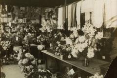7-Opening_van_de_winkel_in_1920_(oprichters_zijn_Johanus_en_Grietje_Klinkhamer_[1024x768]