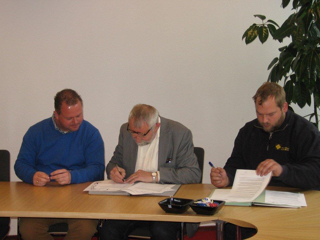 ondertekening-overeenkomst-twistveen-005-kopie.jpg