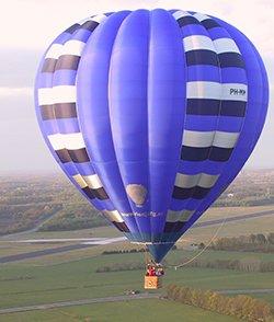 rienjurgballon.jpg